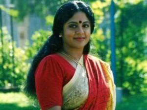 அதிசய ராகம்.. அழகிய ராகம்.. அபஸ்ருதி ராகம்.. மறக்க முடியாத நடிகை ஸ்ரீவித்யா
