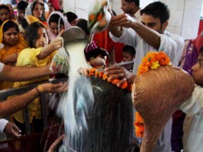 இன்று மகா சிவராத்திரி: சிவனுக்கு நான்கு ஜாம வழிபாடு- குளிர குளிர அபிஷேகம்