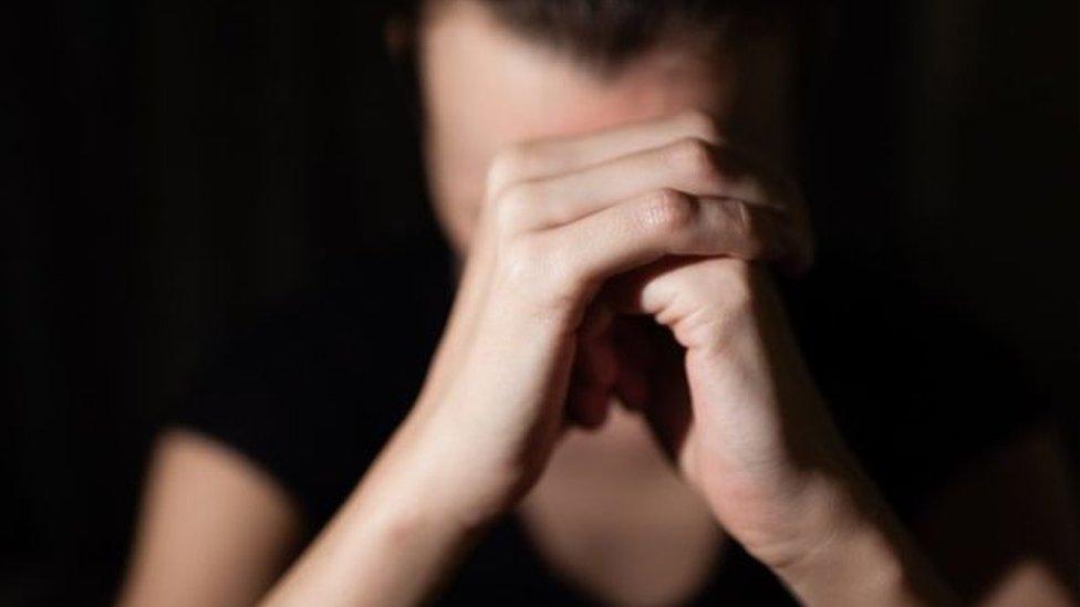 பாலியல் வல்லுறவின்போது பெண் கூக்குரல் எழுப்பாததால் குற்றம் சாட்டப்பட்டவர் விடுதலை