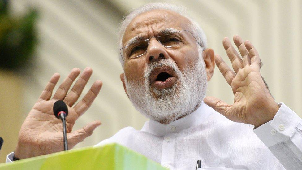 'நிவாரண முகாம்களில் 54 ஆயிரம் பேர்' -...