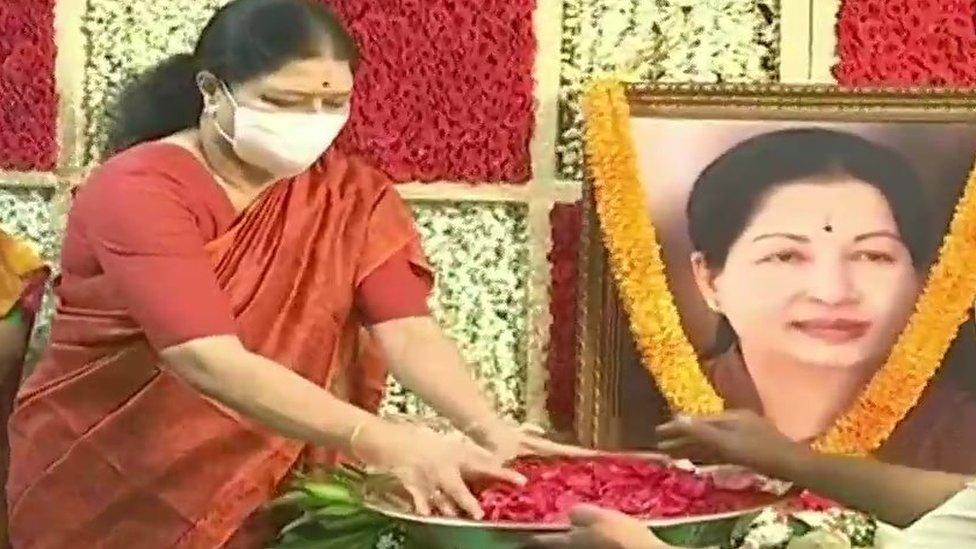 ஜெயலலிதாவுக்கு சசிகலா அஞ்சலி: 'ஒன்றாக இணைந்து தேர்தலை சந்திப்போம்' - தமிழ்நாடு சட்டமன்ற தேர்தல் 2021
