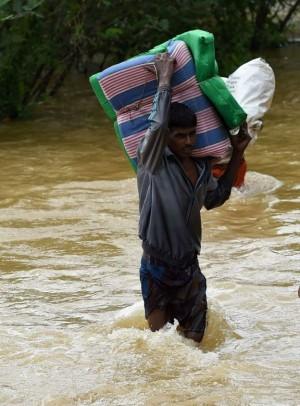Sri Lanka Floods Nearly 500 000 Displaced As Death Toll Ris